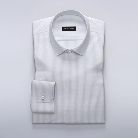 Damskjorta med smala ljusblå ränder