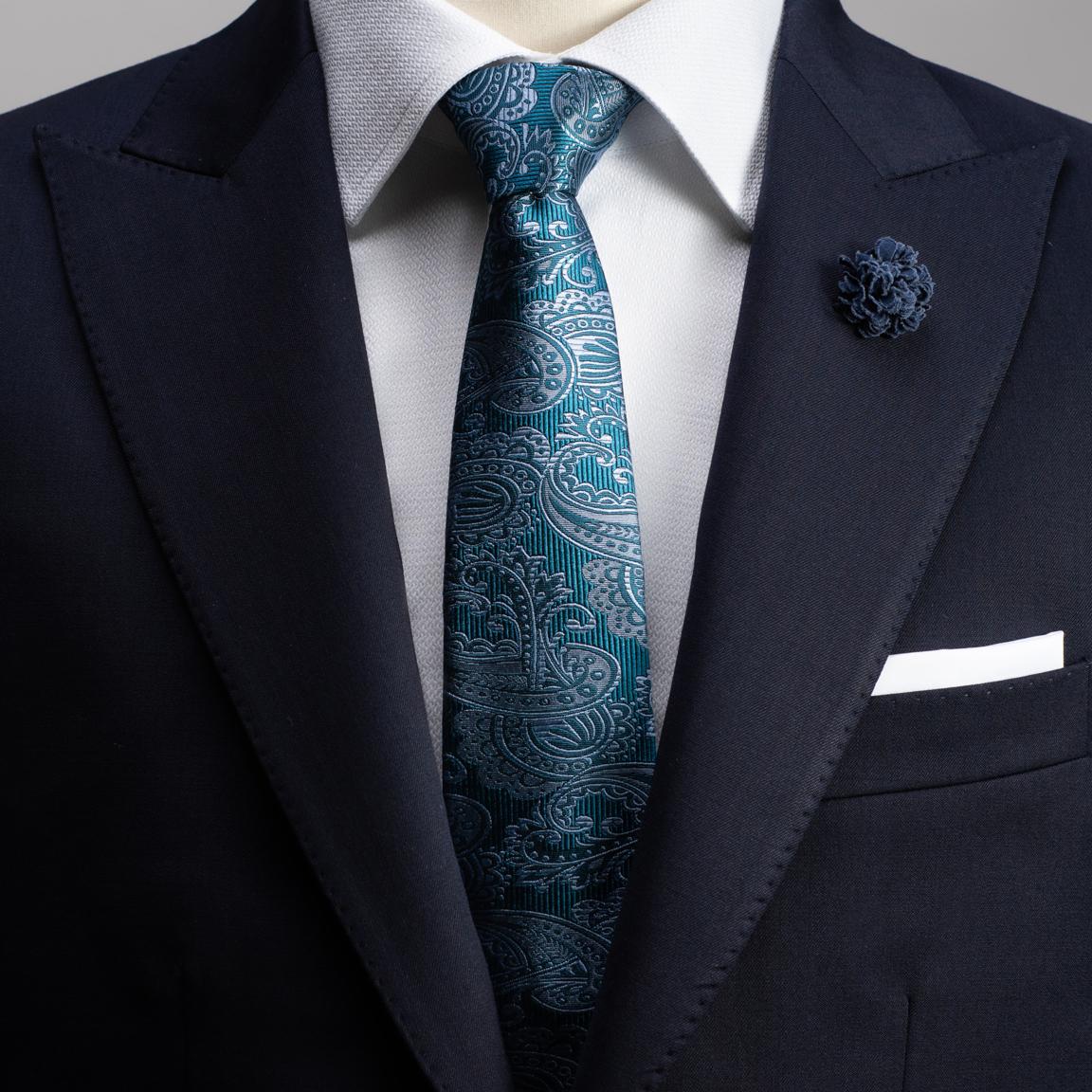 Cravate en soie en bleu paisley
