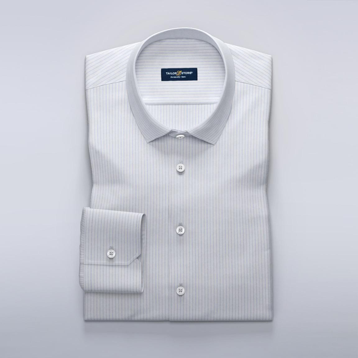 Business-skjorte med tynde, lyseblå striber