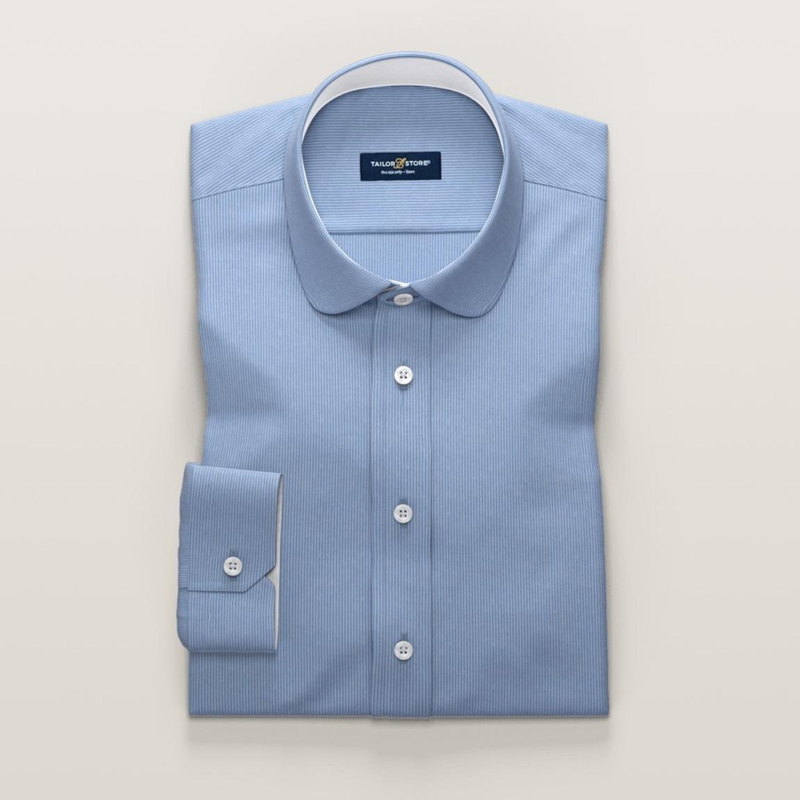 Chemise pour femmes en bleu clair à rayures