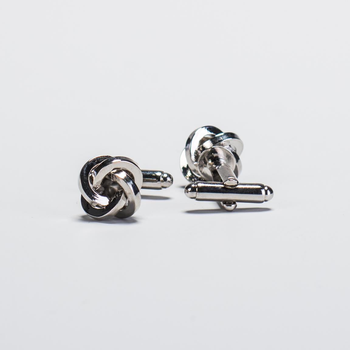 Srebrne spinki do mankietów w kształcie węzłów