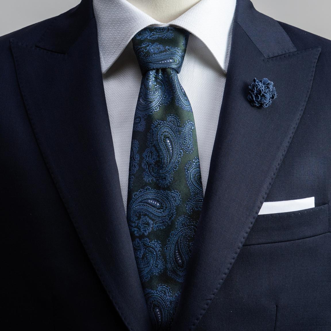 Grüne Seidenkrawatte mit einem Paisley-Muster