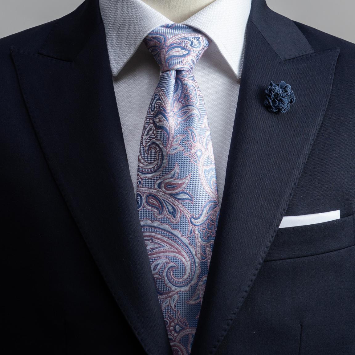 Różowy jedwabny krawat paisley