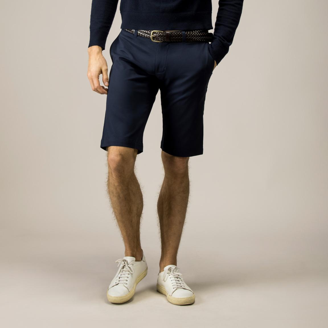 Marineblaue Shorts mit Stretch