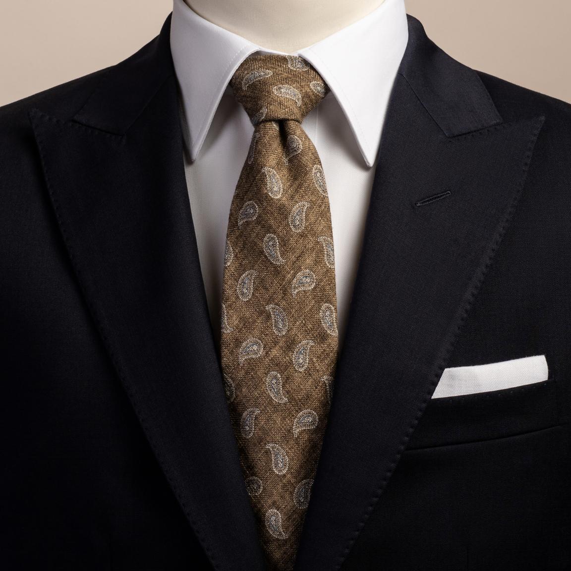 Braune Krawatte