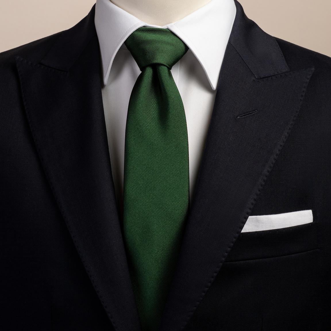 Cravate en soie verte