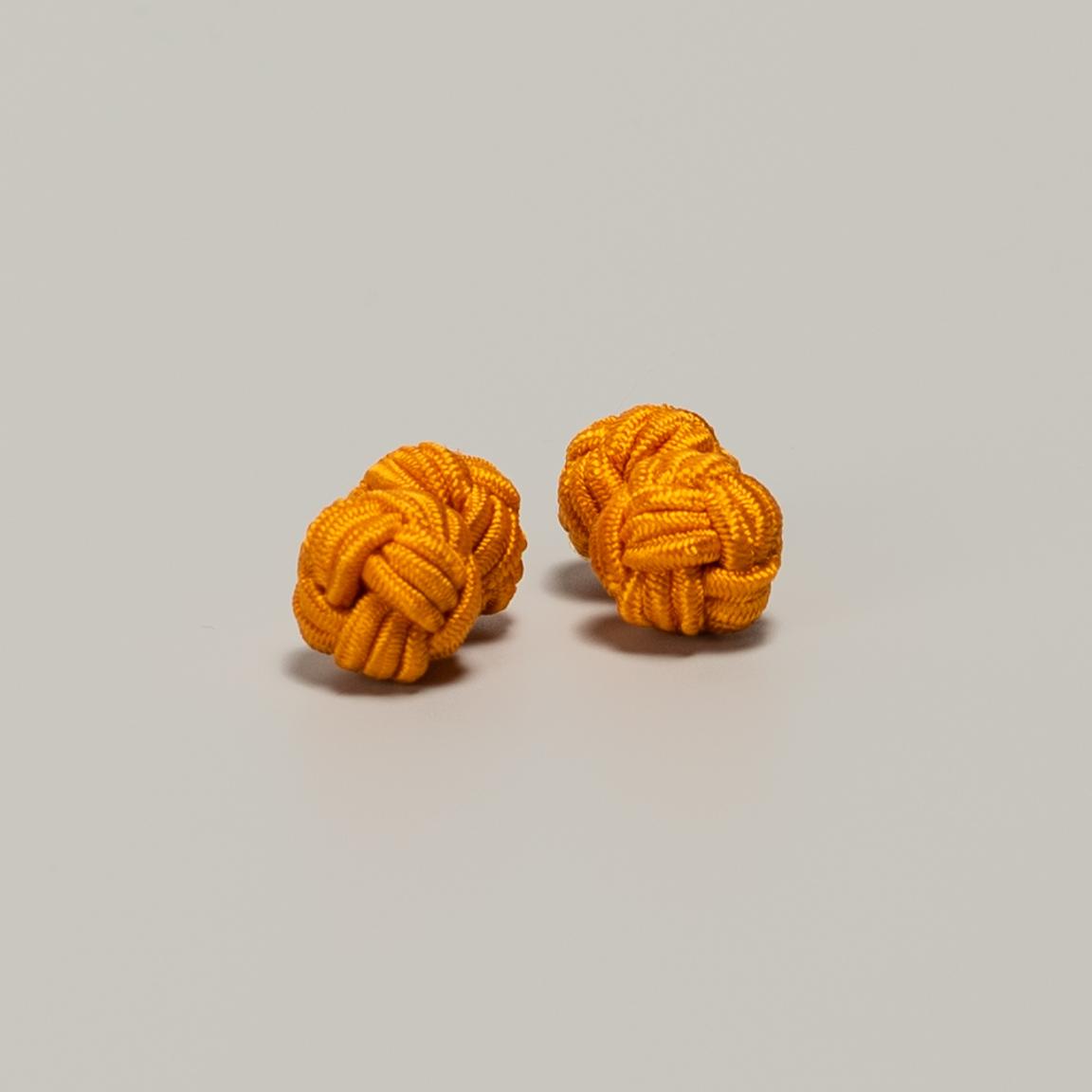Oranssit kalvosinnapit