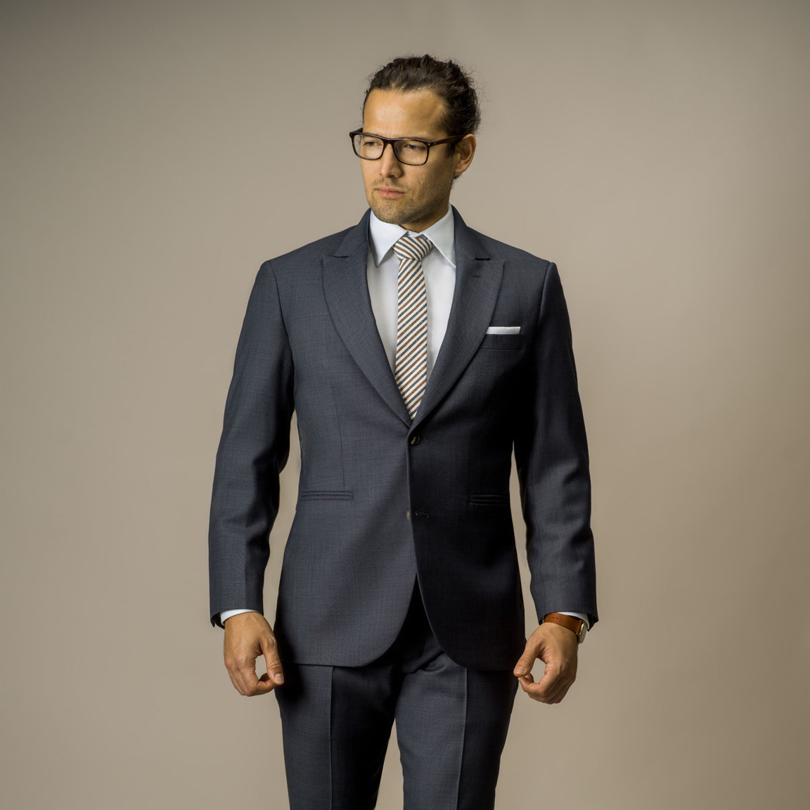 Three-piece classic twill suit in 100% wool