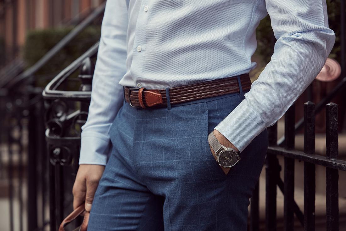 7b393f4f Når skjorten er nede i bukserne, giver bæltet et velklædt og klassisk look.  Du vælger selv bæltets farve, men vi anbefaler mørkebrun for at få  outfittet til ...